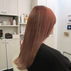 江東区住吉と菊川の間にある美容室、ヘアサロンシュガーより wella「イルミナ・カラー」で創る『モーブ・ピンク』
