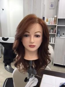 江東区住吉、森下からも近い美容室 ヘアサロン シュガーのヘアアイロンでの巻き髪ヘアー