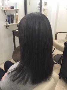 江東区住吉と菊川の間にある美容室 ヘアサロン シュガー、男性も女性も白髪を『シルバーグレー』にカラーリング